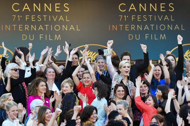 No total, 82 mulheres participaram da manifestação neste sábado - Foto: AFP