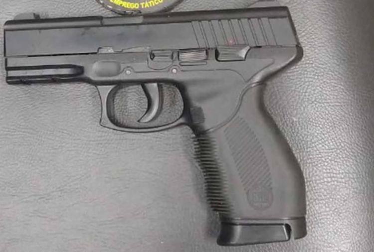 Um simulacro de pistola foi encontrado durante abordagem em São Cristóvão - Foto: Divulgação | SSP-BA