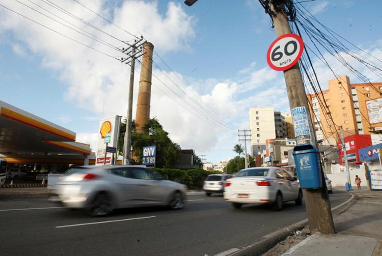 Após avaliação, limite ideal de velocidade passou de 50km/h para 60km/h - Foto: Luciano Carcará | Ag. A TARDE
