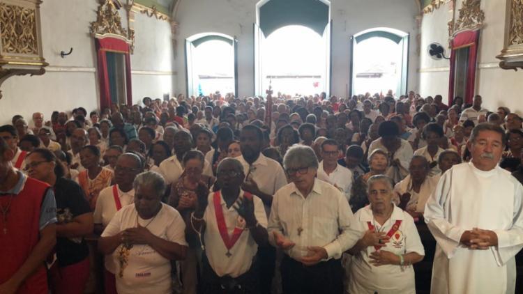 Fiéis e devotos foram celebrar o Corpus Christi