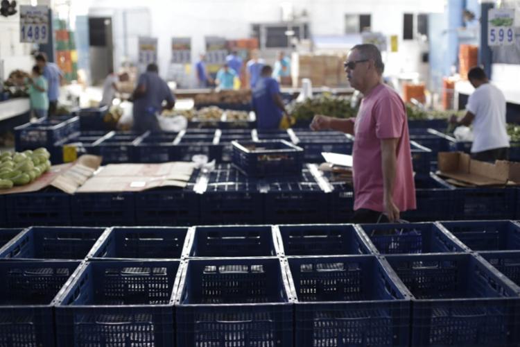 De acordo com vendedor de hortaliças, os consumidores reclamam da alta dos preços