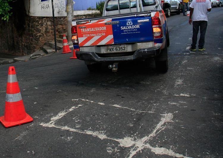 Interdição acontece no entorno do largo do Santo Antônio Além do Carmo - Foto: Alessandra Lori | Ag. A TARDE | 26.04.20108