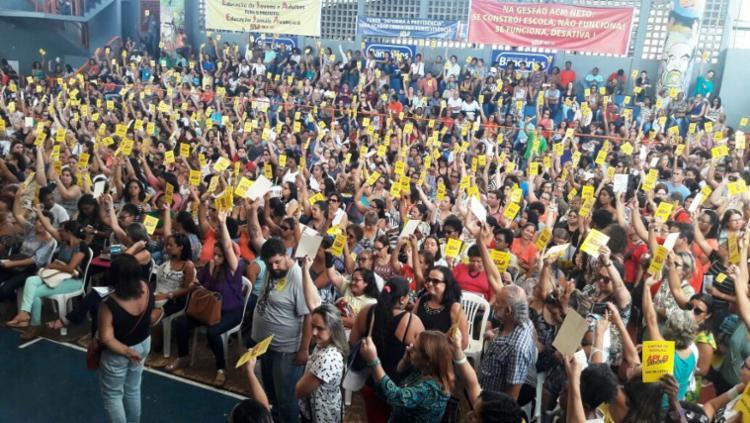 Docentes estão em campanha salarial - Foto: Divulgação | APLB