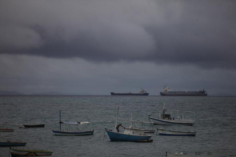 Condições de navegação dificultaram a operação das embarcações - Foto: Raul Spinassé |