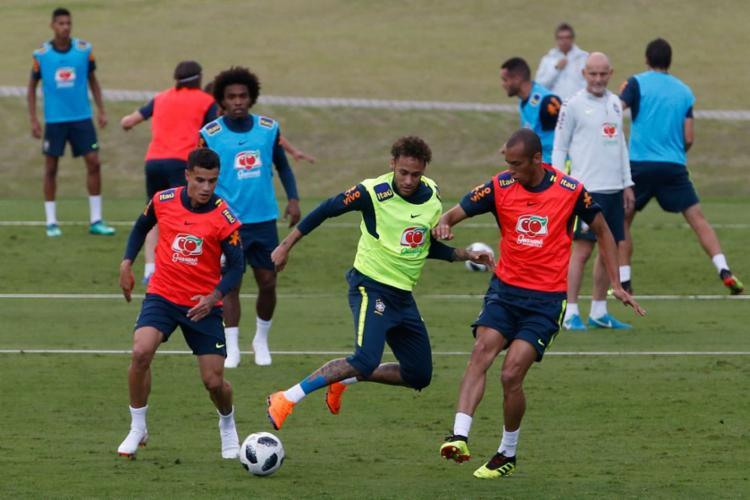 Jogadores voltaram a treinar com bola na Granja Comary - Foto: Fernando Frazão l Agência Brasil