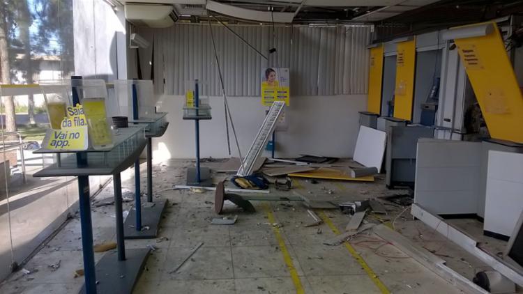 Ataque ocorreu durante a madrugada desta terça-feira, 1º, na agência do BB - Foto: Euzeni Daltro   Ag. A TARDE