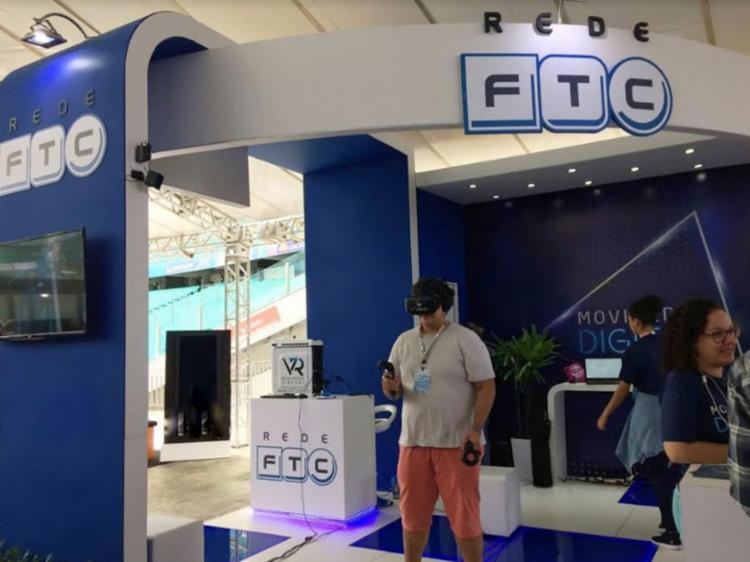 Os visitantes poderão realizar competições de Beat Saber, um jogo que une Star Wars e Guita Hero - Foto: Divulgação| FTC