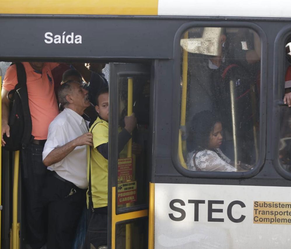 Stec e vans estão circulando em 35 roteiros pela cidade | Raul Spinassé | Ag. A TARDE