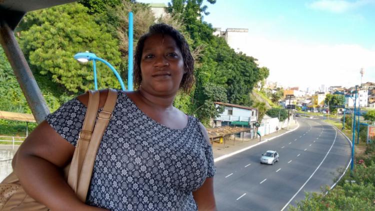 Tamara Carine reclama dos transtornos causados pela paralisação | Foto: Shirley Stolze | Ag. A TARDE