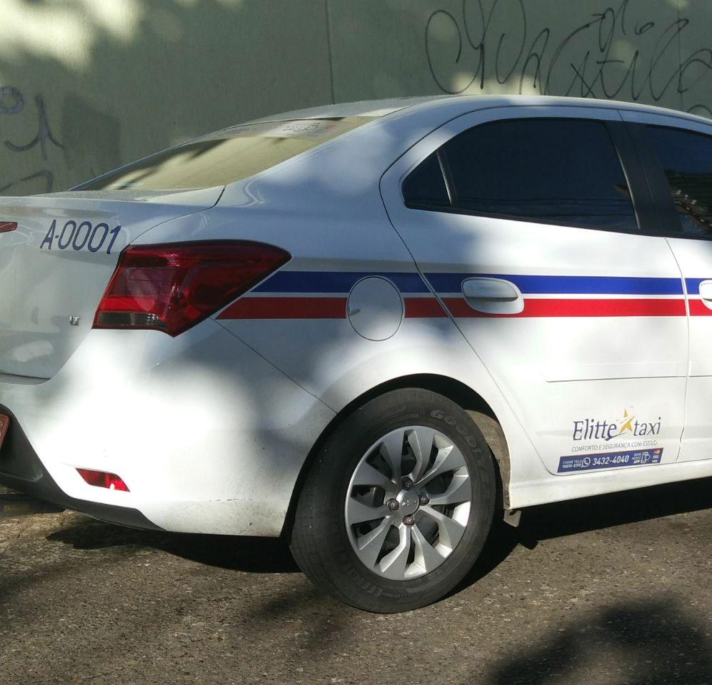 Táxi foi recuperado no Morro do Gato