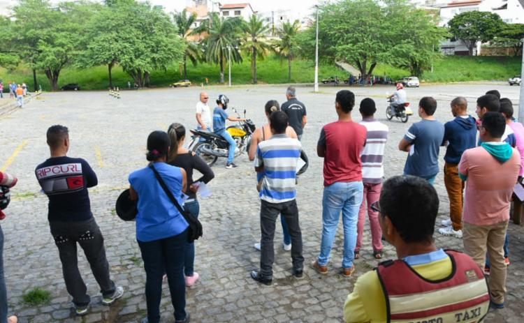 A caravana do DETRAN realiza ações em Itapetinga até sexta-feira - Foto: Divulgação