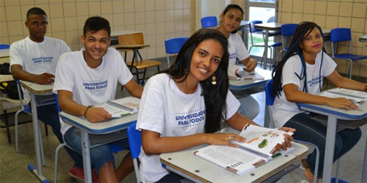 Ao todo, cerca de 14 mil pessoas ganharam uma vaga no curso pré-vestibular - Foto: Divulgação | Secretaria de Educação