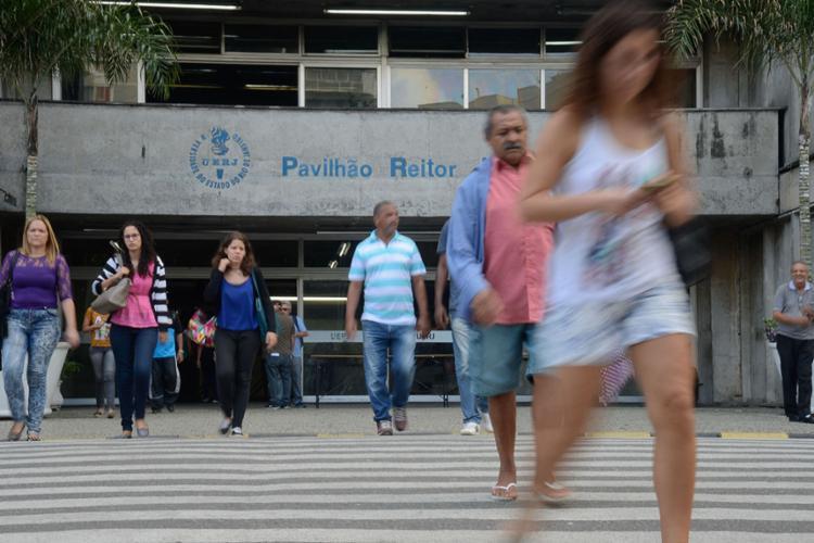 O ranking, que até a última edição incluía 300 universidades, passou a avaliar 350 instituições de 42 países. Com isso, apesar da queda de posições, a presença brasileira na lista aumentou de 25 para 32 instituições classificadas. - Foto: Reprodução/Tânia Rêgo - Agência Brasil