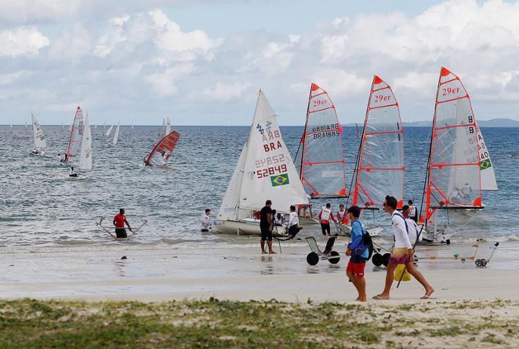 Etapa única da competição é disputada até hoje na Praia de Inema - Foto: Adilton Venegeroles l Ag. A TARDE
