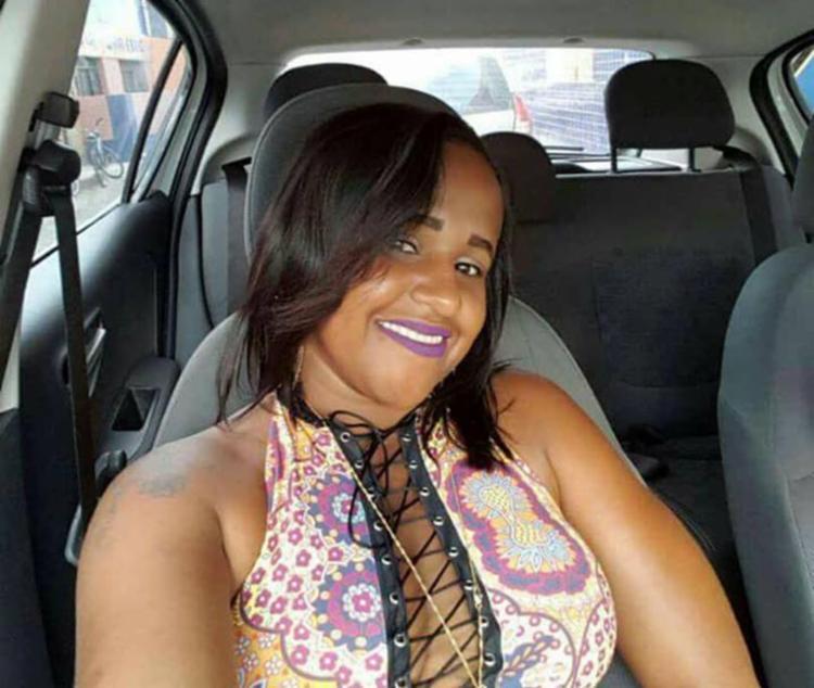 Ana Claudia foi atingida em diversas partes do corpo como olho, braço e tórax - Foto: Reprodução | Facebook