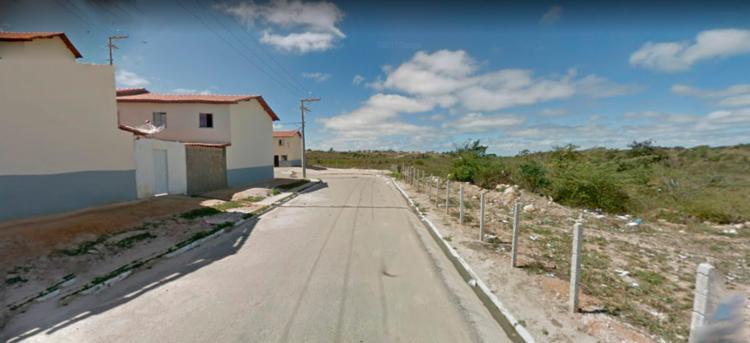 Os cadáveres foram localizados em um matagal - Foto: Reprodução   Google Maps