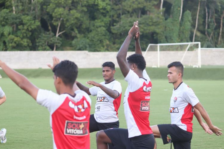 Jogadores reservas participaram atividade na toca do Leão após desembarcar em Salvador - Foto: Mauricia da Matta | EC Vitória