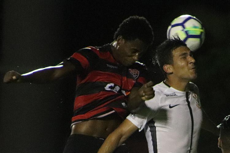 Vitória foi eliminado pelo Corinthians nas oitavas de final da Copa do Brasil - Foto: Maurícia da Matta l EC Vitória