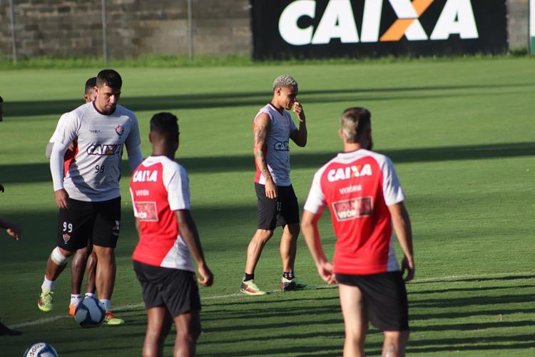Mancini não contou quem vai entrar em campo, mas Neilton está garantido - Foto: Maurícia da Matta l EC Vitória
