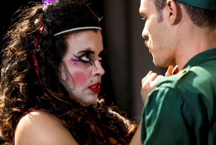 O circo popular ajuda a compor a trajetória do protagonista - Foto: Divulgação