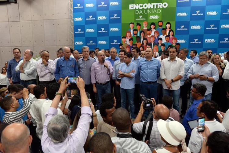 O encontro reuniu prefeitos, vereadores, deputados e lideranças - Foto: Angelo Pontes l Divulgação