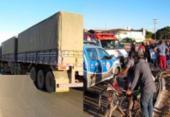 Idosa morre após colidir moto em lateral de carreta na BR-242 | Foto: Reprodução | Blog do Marcelo