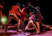 Espetáculo atualiza obra de Shakespeare com recursos do cinema amador | Foto: Divulgação