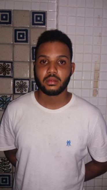 Leandro foi preso com drogas e quantia de R$ 66 - Foto: Divulgação | SSP-BA