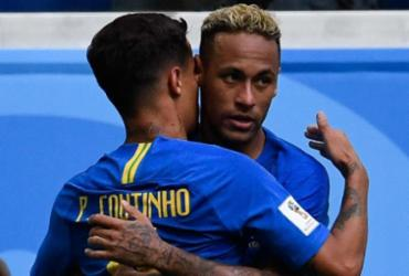 Philippe Coutinho e Neymar foram os autores dos gols no final do segundo tempo - AFP