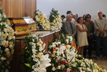 Corpo de Waldir Pires é cremado em Salvador