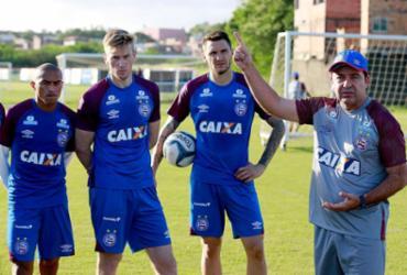 """Enderson fala em """"grande oportunidade"""" no Bahia"""