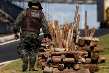Ação apreende 27 fogueiras de madeira ilegal no litoral norte | Raul Spinassé l Ag. A TARDE