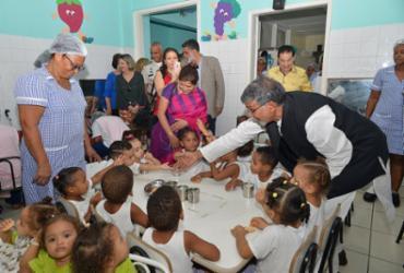 Indiano Prêmio Nobel da Paz 2014 visita a Mansão do Caminho   Shirley Stolze l Ag. A TARDE