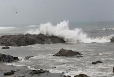 Suposta queda de aeronave no Rio Vermelho é descartada pela Marinha | Margarida Neide | Ag. A TARDE