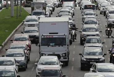 Circulação de caminhões volta a ser fiscalizada em Salvador após greve | Xando Pereira | Ag. A TARDE | 31.03.2017