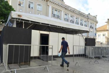 Módulo de serviço médico foi instalado na praça da Sé - Shirley Stolze | Ag. A TARDE