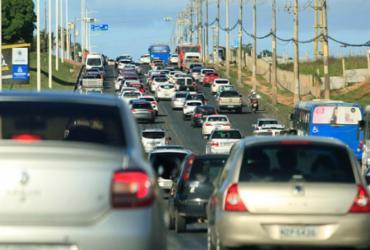 Protesto deixa trânsito lento na avenida Paralela | Alessandra Lori | Ag. A TARDE