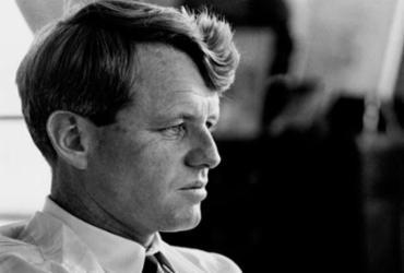 Série da Netflix mostra a trajetória de Robert Kennedy   Divulgação