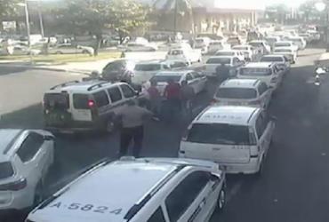 Taxistas realizam carreata no Rio Vermelho deixando trânsito congestionado | SSP | Divulgação