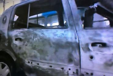 Carro pega fogo na avenida Joana Angélica | Reprodução | TV Record