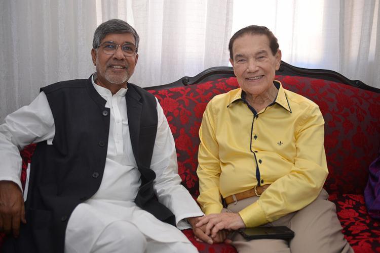O indiano Kailash Satyarthi e o líder espírita Divaldo Franco na Mansão do Caminho