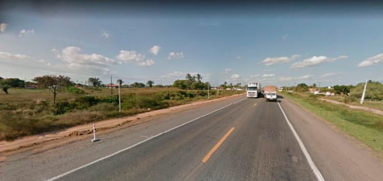 A polícia suspeita que a pedra foi colocada de forma criminosa para a prática de assaltos - Foto: Reprodução | Google Maps