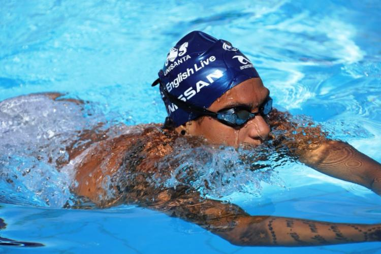 Ana Marcela nada em Portugal em busca da liderança do Circuito de Águas Abertas - Foto: Arquivo Pessoal | Divulgação