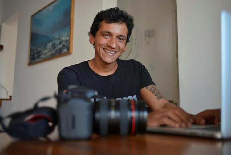 Analista jurídico, Fernandes resolveu transformar o hobby em segunda profissão e foi fazer o curso de fotografia do Senac - Foto: Shirley Stolze | Ag. A TARDE