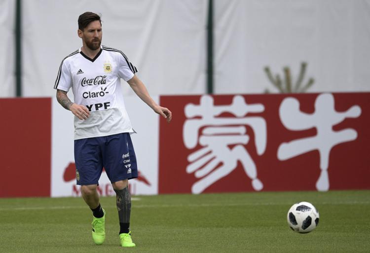 Superando a pressão, Messi tentará conduzir a Argentina para as oitavas - Foto: Juan Mabromata   AFP