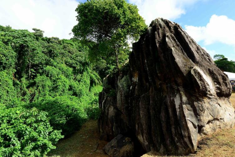 Haverá um mutirão de limpeza em frente à Pedra Xangô - Foto: Divulgação