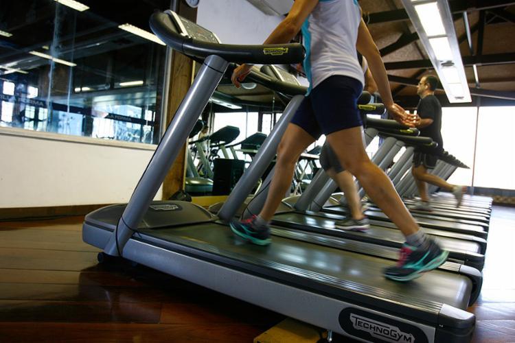 Pesquisadores que chegaram a acreditar que praticar exercícios nessas condições era fator de risco, hoje reconhecem grandes benefícios - Foto: Joá Souza l Ag. A TARDE l 13.10.2014