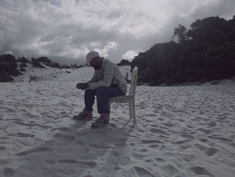 Clipe foi gravado nas dunas de Diogo, no Litoral Norte da Bahia - Foto: Divulgação
