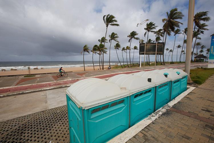 Equipamentos instalados na praia de Jardim de Alah - Foto: Margarida Neide l Ag. A TARDE