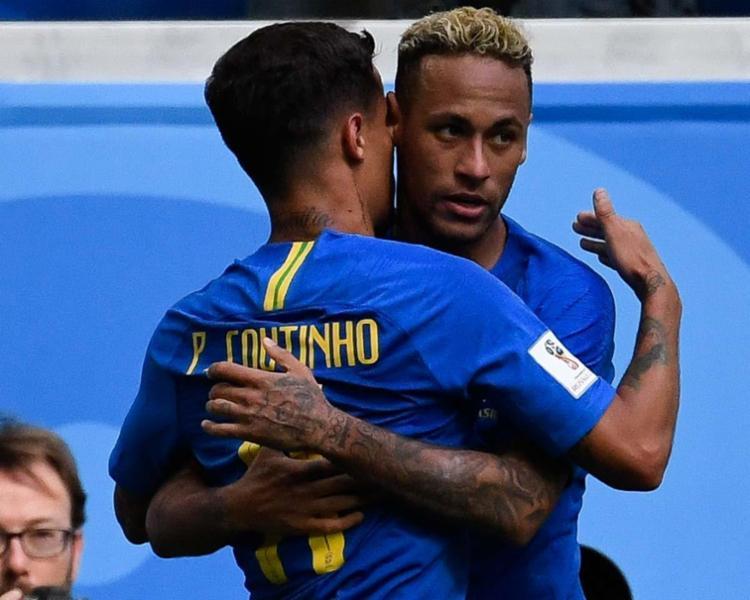 Philippe Coutinho e Neymar foram os autores dos gols no final do segundo tempo - Foto: AFP